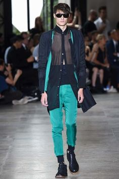 The complete Ann Demeulemeester Spring 2016 Menswear fashion show now on Vogue Runway.