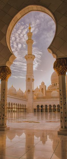 Sheikh Zayed Grand Mosque, Abu Dhabi in United Arab Emirates Capital Abu Dhabi Architecture Antique, Mosque Architecture, Beautiful Architecture, Art And Architecture, Abu Dhabi, Places Around The World, Travel Around The World, Around The Worlds, Islamic World