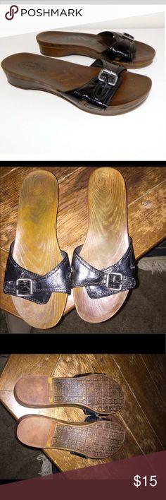 Dr scholls patent leather sandals Dr scholls patent leather sandals  reposh shoes are in EUC size 10 dr scholls Shoes Sandals