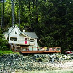 alaska cabin from sunset magazine