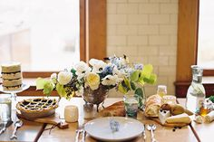 Tinge Floral | The Rose Establishment - A Lovely Thyme, florals and food, what a nice table setting.