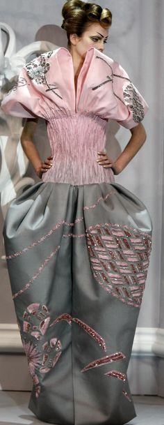 I stand by this drama. 2 snaps!! Christian Dior Haute Couture Spring 2007