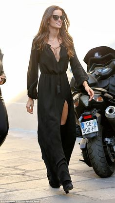 All black everything: Izabel Goulart looked like a classy vixen as she stepped out for lunch in Paris on Wednesday afternoon