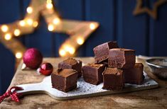 Homemade vegan chocolate fudge makes a great vegan Christmas gift for loved ones – give this easy fudge recipe a go. See more vegan recipes at Tesco Real Food. Edible Christmas Gifts, Edible Gifts, Christmas Recipes, Christmas Nibbles, Vegan Christmas Dinner, Christmas Drinks, Christmas Stuff, Chocolate Fudge, Vegan Chocolate