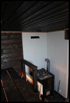 Puusauna Outdoor Sauna, Painted Doors, Cottage Homes, Finland, Saunas, Tiny House, Relax, Cabin, Interior Design