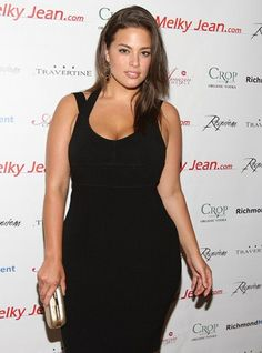 Ashley Graham curvy model While this beauty is mostly known as a lingerie model for the plus-size clothing store Lane Bryant, she has also starred in a Levi's campaign, and in publications such as Vogue and Latina magazine. Ashley Graham, Curvy Fashion, Plus Size Fashion, Girl Fashion, Looks Plus Size, Plus Size Model, Non Blondes, Addition Elle, Mode Plus