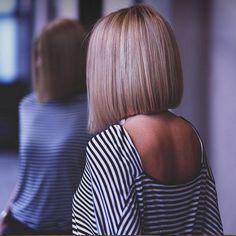 Fashion hairstyles for short hair 2018 168 images - akt - Friseur Haircuts For Medium Hair, Blonde Haircuts, Choppy Bob Hairstyles, Medium Hair Cuts, Trendy Hairstyles, Short Hair Cuts, Medium Hair Styles, Short Hair Styles, Bob Haircuts