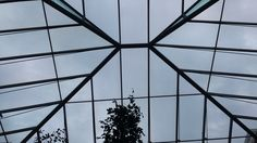 Glass cover over courtyard function space and cafe (Wallace Collection)