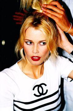 Claudia + Chanel = 3 Claudia schiffer #chanel #model