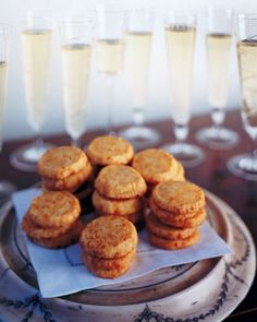 For an extra indulgent hors d oeuvre, top this cheddar cheese shortbread with smoked salmon and caviar, and serve with glasses of champagne. Savoury Pastry Recipe, Pastry Recipes, Cookie Recipes, Savoury Biscuits, Cheddar Biscuits, Elegant Appetizers, Appetizers For Party, Appetizer Recipes, Appetizer Ideas