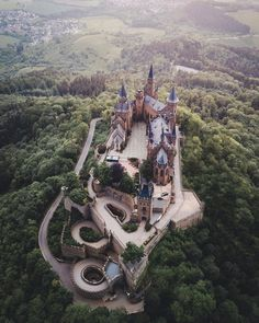This bird's eye view of Hohenzollern Castle really shows off the stunning architecture. Hands up who's done the walk to this fairytale… Castles In Ireland, Germany Castles, Beautiful Castles, Beautiful Places, Cool Places To Visit, Places To Travel, Castles To Visit, Chateau Medieval, Neuschwanstein Castle