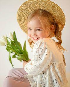 - Природа самый лучший в мире дизайнер :) - - - PH: @sofiyabatina - - - #инстамама #детскоефото #ig_myshot #детскийфотографсургут… Cute Baby Pictures, Newborn Pictures, Cute Girl Outfits, Kids Outfits, Funny Babies, Cute Babies, Beautiful Children, Mom And Baby, Children Photography