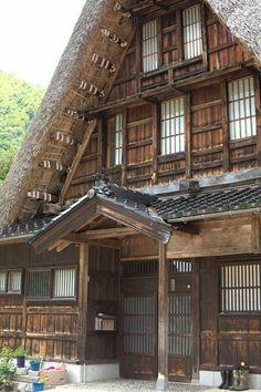 Studies Abroad to Japan. Architecture Design, Vernacular Architecture, Japanese Architecture, Japanese Style House, Traditional Japanese House, Zen Sand Garden, In Praise Of Shadows, Hidden House, Zen Gardens