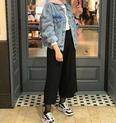Hijab Fashion Summer, Modest Fashion Hijab, Modern Hijab Fashion, Street Hijab Fashion, Casual Hijab Outfit, Hijab Fashion Inspiration, Muslim Fashion, Mode Inspiration, Fashion Outfits