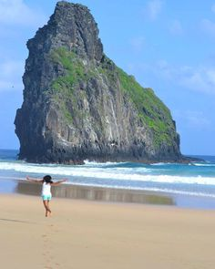 Just keep me where the blue is Fernando de Noronha. by otournossodecadadia