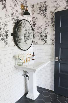 15 Stunning Tile Ideas for Small Bathrooms #RemodelingBathroomIdeas