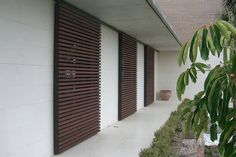 Screens for privacy & security Flat Roof House, House Windows, House Front, My House, Burglar Bars, Caribbean Homes, Rural House, Mediterranean Homes, Architect House