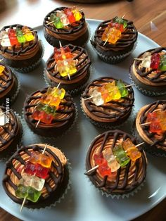 My girlfriend made BBQ cupcakes food – Cupcake Recipes Cute Desserts, Delicious Desserts, Bbq Desserts, Fun Deserts, Baking Desserts, Health Desserts, Cupcake Recipes, Dessert Recipes, Edible Cupcake Toppers