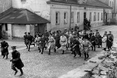 Ghetto Pictures From the Holocaust   The attitude of the Jewish police towards the Jewish resistance groups ...
