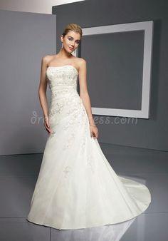 taffeta a-line strapless floor-length court train with applique wedding dress - Dreamy-dress.com