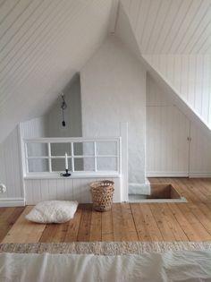 Attic Master Bedroom, Attic Bedroom Designs, Attic Bedrooms, Slanted Ceiling Bedroom, Long Room, Upstairs Loft, Attic Spaces, Bedroom Vintage, Small House Plans