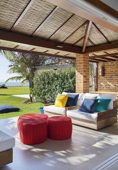 Projeto Buzios Manguinhos : Varandas, alpendres e terraços modernos por Adriana Valle e Patricia Carvalho