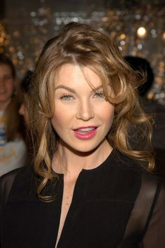 Ellen Kathleen Pompeo Grey's Anatomy, Ellen Pompeo Hairstyles, Meredith Grey Hair, Greys Anatomy Characters, Grey Anatomy Quotes, Beautiful Actresses, Celebrity Photos, Role Models, Pretty People