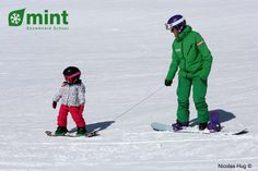 Teaching little kids to snowboard with the Burton riglet reel. #riglet #minishred