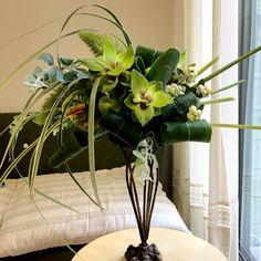 8月「スプレーシェイプ」ブーケを横にしたようなアレンジ Flower Arrangements, Flowers, Plants, Floral Arrangements, Plant, Royal Icing Flowers, Flower, Florals, Floral