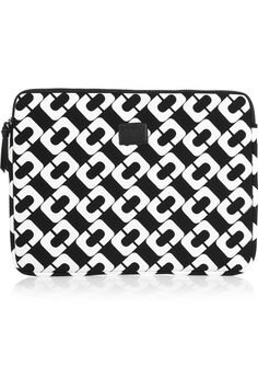 Perfect black and white w pattern