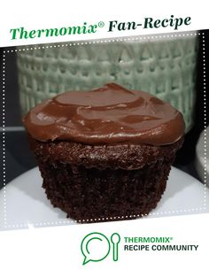Thermomix Cupcakes, Thermomix Desserts, Icing Recipe, Chocolate Buttercream Icing, Chocolate Cupcakes, Buttermilk Cupcakes, Small Cake, Bellini