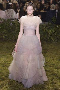 Moda | O melhor da Alta Costura francesa para a Primavera 2017 - Portal iCasei Casamentos