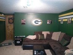 Greenbay Packer Man Cave, My boy friend would love this!!  Packers are his favorite!