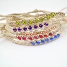 Make hemp wish bracelets (with the help of a video tutorial)! From www. Make hemp wish bracelets (with the help of a video tutorial)! From www. Hemp Jewelry, Macrame Jewelry, Jewelry Crafts, Wish Bracelets, Diy Friendship Bracelets With Beads, Diy Hemp Bracelets, Making Bracelets, Survival Bracelets, Ankle Bracelets