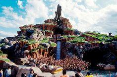 東京ディズニーランド,クリッターカントリー,スプラッシュ・マウンテン Disney Resorts, Disney Parks, Disney Land, Disneyland Park, Mount Rushmore, Attraction, Japan, Mountains, Travel