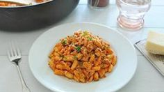 Roasted Red Pepper Pasta. There is nothing NOT right about this. Wait, did that make sense?