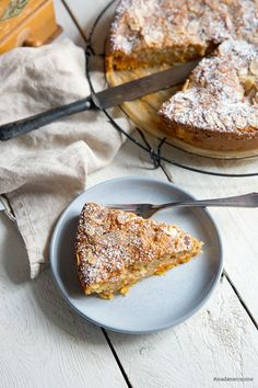 Aprikosenkuchen mit Mandeln: Saftig und süß Apricot cake with almonds: Juicy and sweet Sweet Recipes, Cake Recipes, Apricot Cake, Different Recipes, No Bake Cake, Eat Cake, Easy Meals, Food And Drink, Sweets
