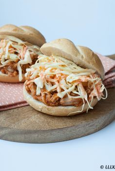 Pulled Chicken, Pulled Pork, I Love Food, Good Food, Snack Recipes, Dinner Recipes, Weird Food, Crazy Food, High Tea
