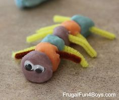 playdough-bugs-4.jpg 476×400 pixels