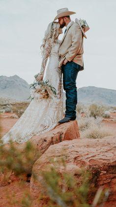 Boho meets West – A Vegas Desert Elopement Wedding Groom, Boho Wedding, Bride Groom, Dream Wedding, Western Wedding Dresses, Western Weddings, Cowboy Weddings, Cowgirl Wedding, Country Wedding Photos