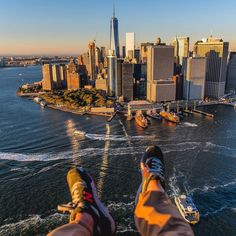 This holiday season give the gift of aerial foot selfies  @flynyon is offering the Manhattan Express  flight for $195 |  book now fly later | direct link in our profile