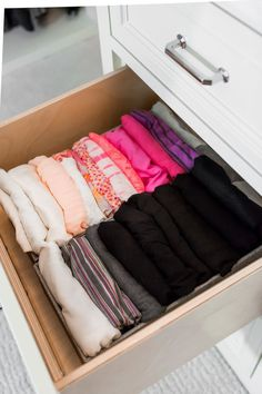 A few weeks ago, I shared with you my Master Closet Organization with Tonia Tomlin of Sorted Out. Today, Tonia is sharing 10 Tips To Organize Your Closet Like a Pro. Wardrobe Organisation, Dorm Organization, Organization Ideas, Organizing Tips, Kid Closet, Closet Rod, Closet Ideas, Walk In Shower Designs, Master Bedroom Closet