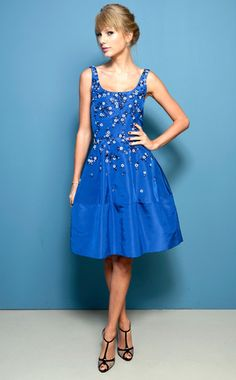 Taylor Swift is beautiful in blue! #fashion