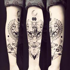 """2,101 mentions J'aime, 15 commentaires - Violette Chabanon (@violette_bleunoir) sur Instagram : """"Tattoo d'amour @_mrmkbl #isis #tattoo #violette #bleunoir #bleunoirtattoo #violettetattoo…"""""""