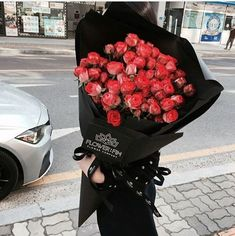 1 million+ Stunning Free Images to Use Anywhere How To Wrap Flowers, Big Flowers, My Flower, Beautiful Flowers, Flower Bomb, Luxury Flowers, Flower Aesthetic, Floral Bouquets, Red Roses