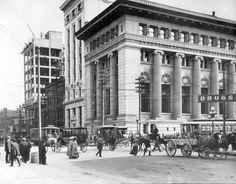 Canadian Bank of Commerce, corner of Hastings and Main in Vancouver Iconic Photos, Old Photos, Vintage Photos, Seymour, Vancouver Bc Canada, Fraser Valley, Most Beautiful Cities, Old City, Walking Tour