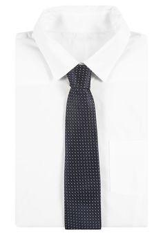 ¡Consigue este tipo de corbata de Reiss ahora! Haz clic para ver los detalles. Envíos gratis a toda España. Reiss ISHIA FINE POLKA DOT Corbata navy: Reiss ISHIA FINE POLKA DOT Corbata navy Premium   | Material exterior: 100% seda | Premium ¡Haz tu pedido   y disfruta de gastos de enví-o gratuitos! (corbata, tie, neckwear, necktie, pajarita, pajarita, tie, neckwear, necktie, krawatte, corbata, cravate, cravatta)