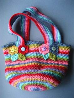 Lucy's Jolly Chunky Bag, a smaller version of her big floppy yarn bag. Crochet Shell Stitch, Crochet Tote, Crochet Handbags, Crochet Purses, Crochet Crafts, Free Crochet, Crochet Baby, Chunky Crochet, Chunky Yarn