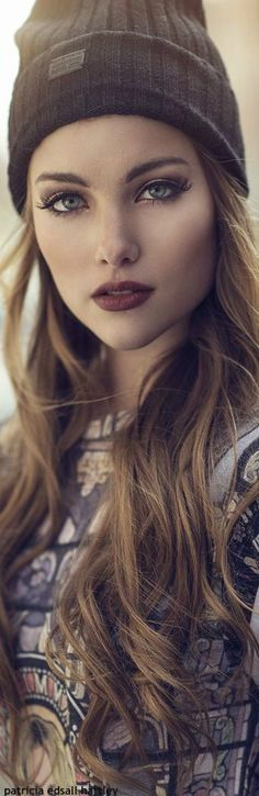 Gorgeous makeup, she can keep the hat, is the beginning of summer and i don't like the cold weather! Ilia Tinted Lip Conditioner in Arabian Nights: