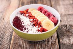 """""""What in the world is an acai (ah-sah-ee) bowl?"""" I wondered while searching for delicious recipes. Turns out, it's basically what breakfast dreams are made of. An acai bowl is essentially a really. Alain Delabos, Smoothie Bol, Smoothies, Foods To Balance Hormones, Balanced Breakfast, Anti Inflammatory Recipes, Banana, Hormone Balancing, Healthy Recipes"""